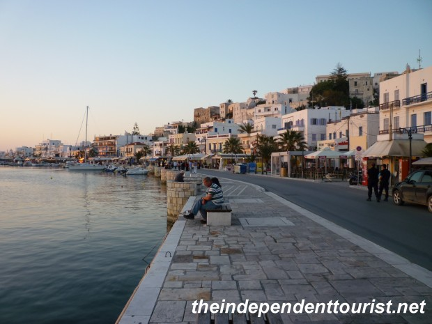 Naxos harbor at sunset (3)