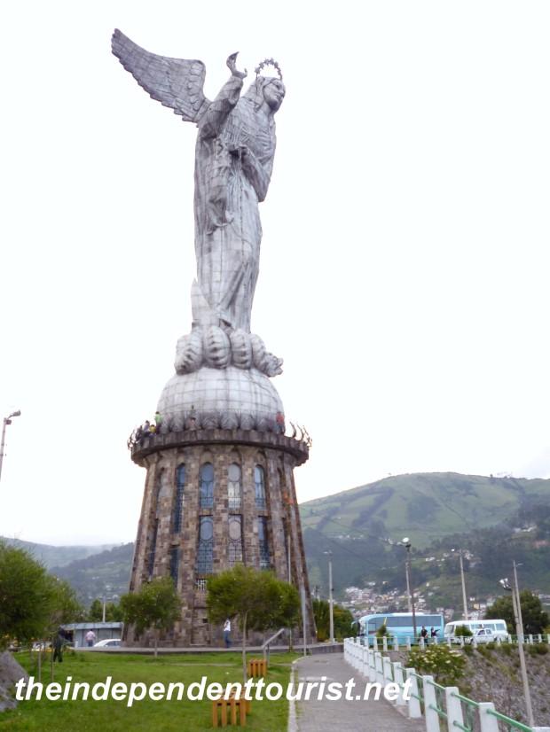 El Panecillo_Quito_Ecuador