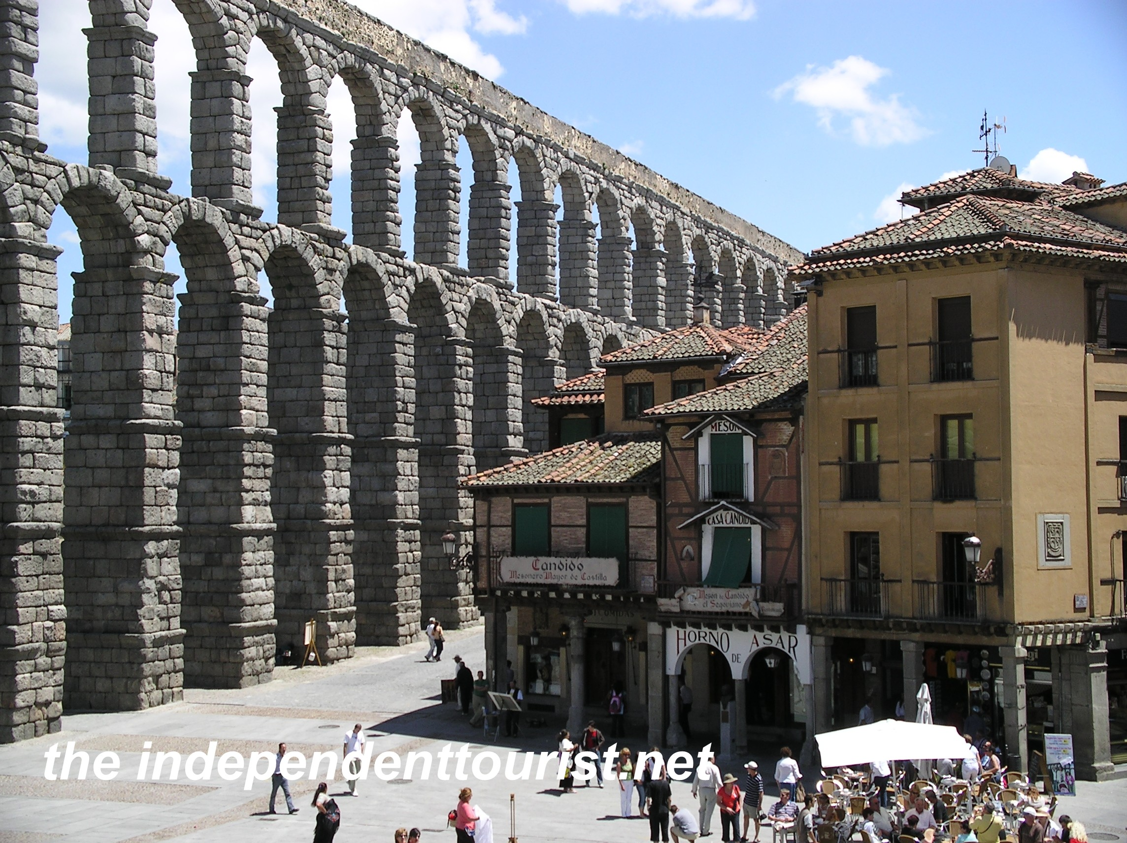 Segovia Aqueduct  The Independent Tourist