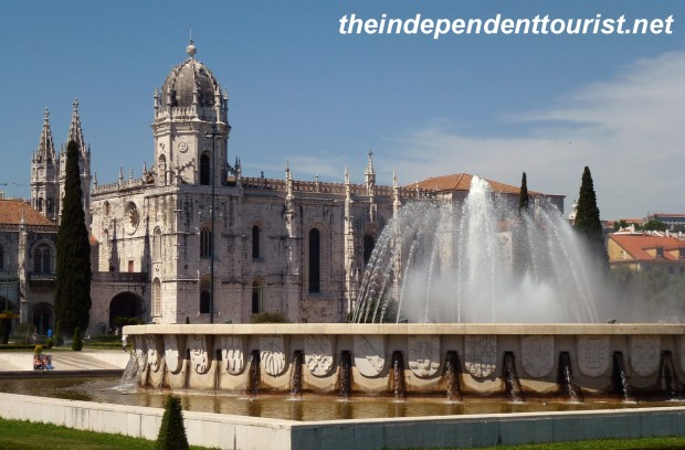 The gardens and fountain in front of the Belem Monastery.
