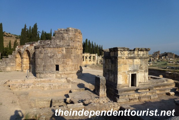 The northern gate to Hierapolis.