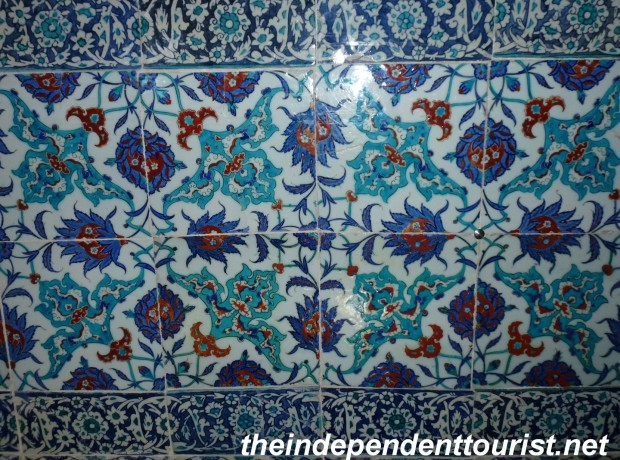 The beautiful tile work in the palace.