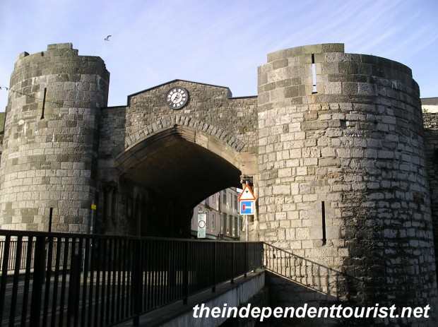 The Exchequer Gate, the main entrance into the the medieval village of Caernarfon.