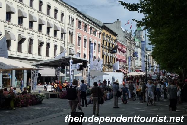 August is a good time to enjoy the outdoor cafes in Oslo.