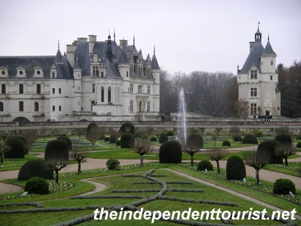 A view of the Chenonceau gardens and castle.