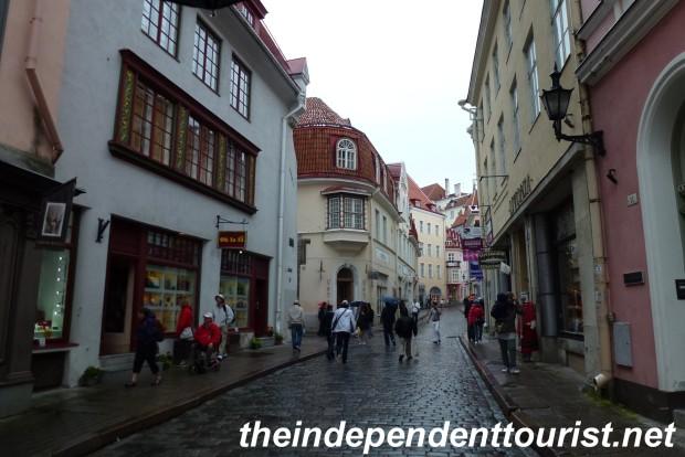 Street scene in Old Town, Tallinn.