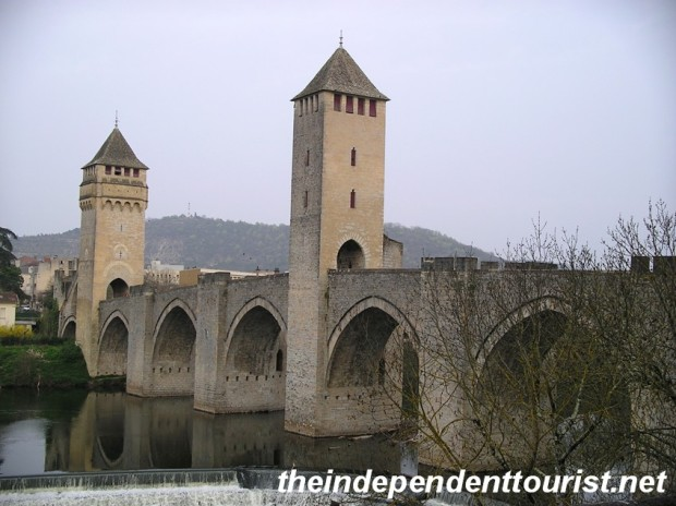 The medieval bridge crossing the Lot River in Cahors.
