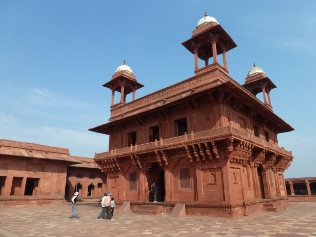 Exterior view of the Diwan-i-Khas.