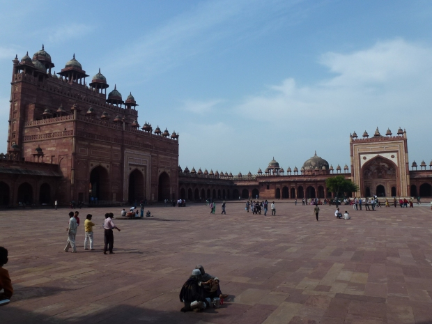 The immense courtyard of the Jama Masjid (mosque). The marble inlay work found around the structures is said to have inspired similar work at the Taj Mahal less than 100 years later.