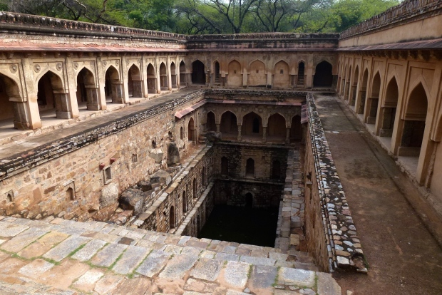 An elaborate well (Rajon-ki-Baoli) in Mehrauli Park.