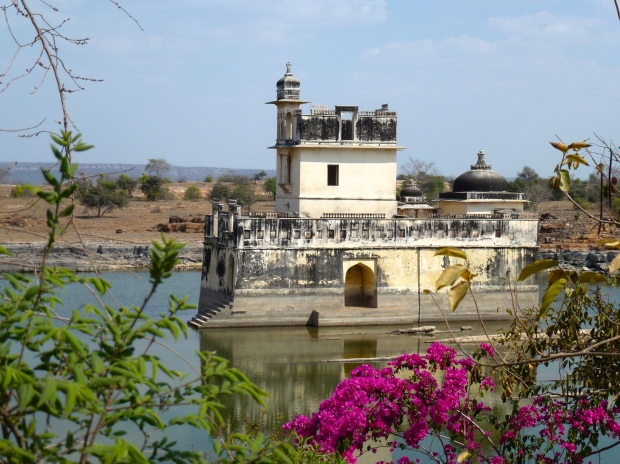 A pavilion in a small lake at Chittorgarh.