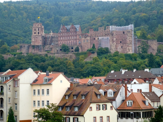 A view of Heidelberg Castle from Altstadt.