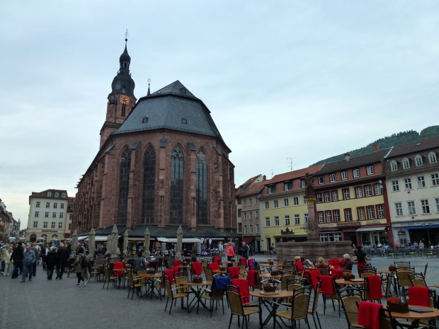 The Church of the Holy Spirit sits in the middle of the Marktplatz surrounded by shops and restaurants.