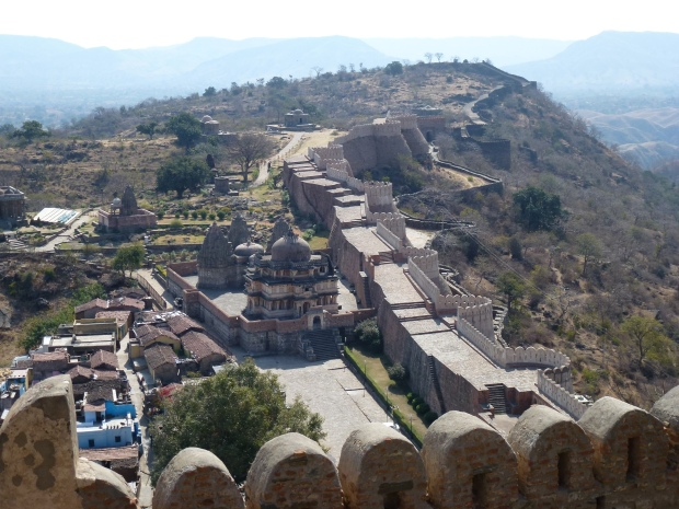 A view of Kumbahlgarh's walls and the village inside.
