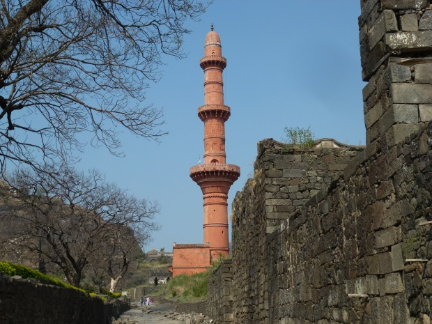 A minaret at Daulatabad Fortress.