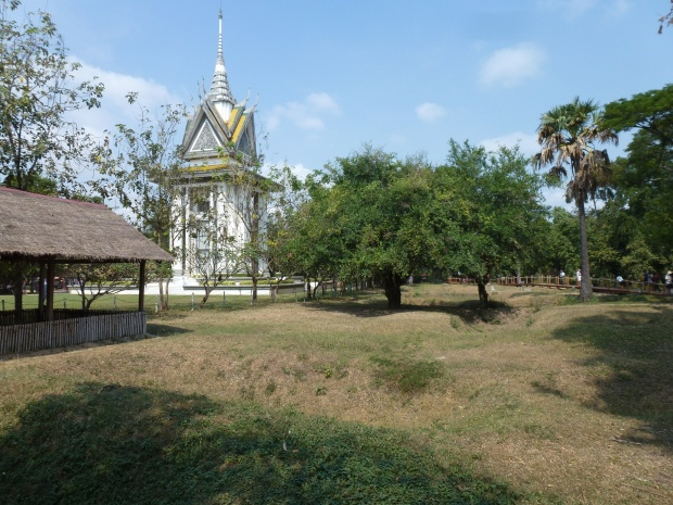 phnom-penh-choeung-ek-killing-fields-10