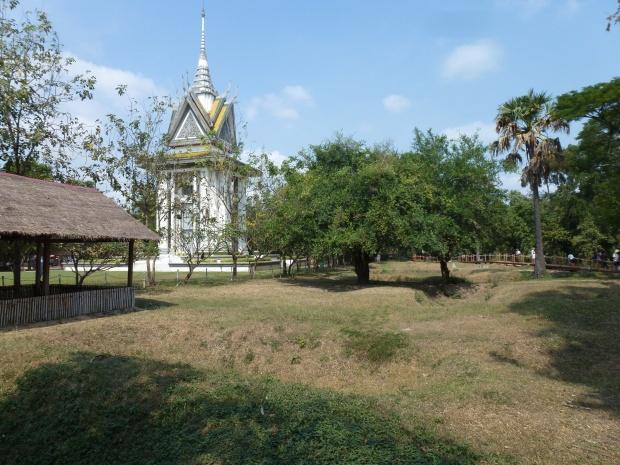 phnom-penh-choeung-ek-killing-fields-10