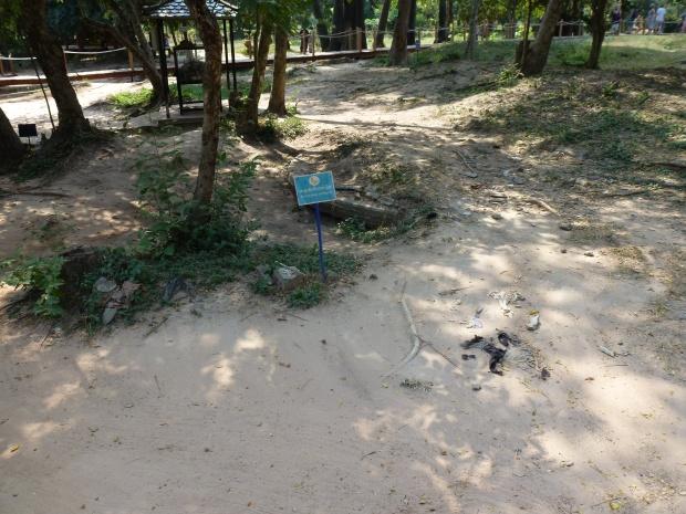 phnom-penh-choeung-ek-killing-fields-12