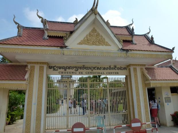 phnom-penh-choeung-ek-killing-fields-2