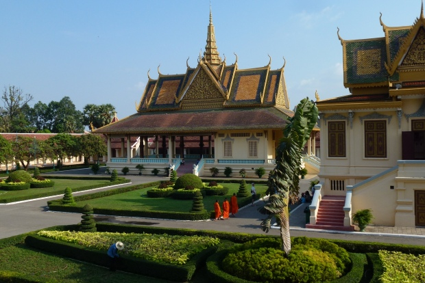 phnom-penh-royal-palace-10