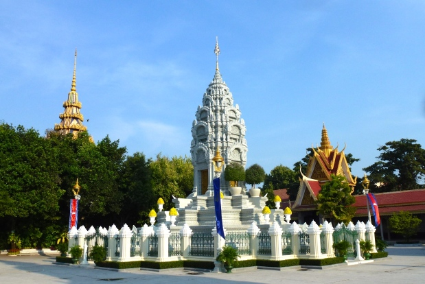 phnom-penh-royal-palace-19