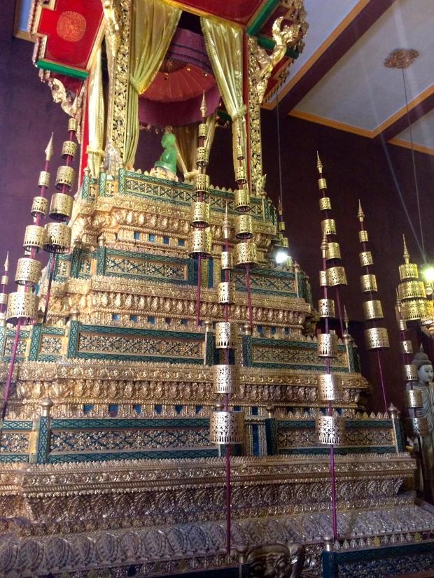 phnom-penh-royal-palace-jade-buddha