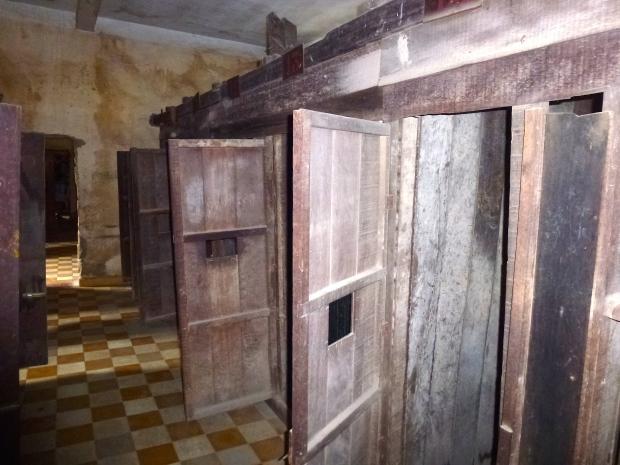 phnom-penh-toul-sleng-museum-30