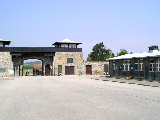 mathausen-concentration-camp_austria-2