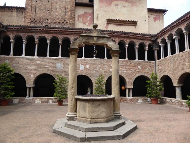 Fontana di Pilato, Abbazia di Santo Stefano, Bologna, Italy