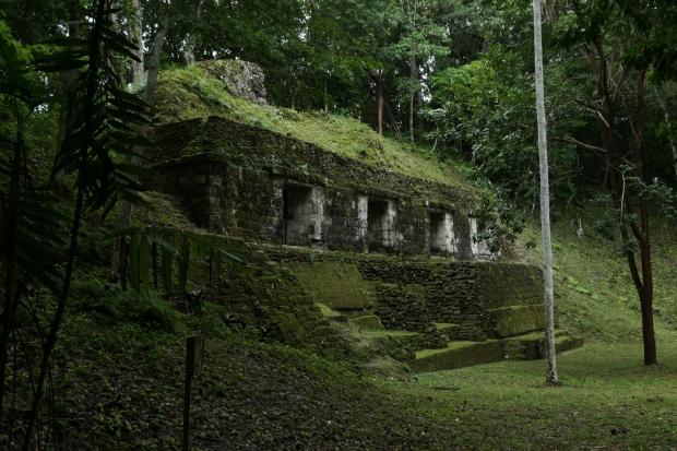 Yaxha Juego de Pelota del Palacio, Guatemala