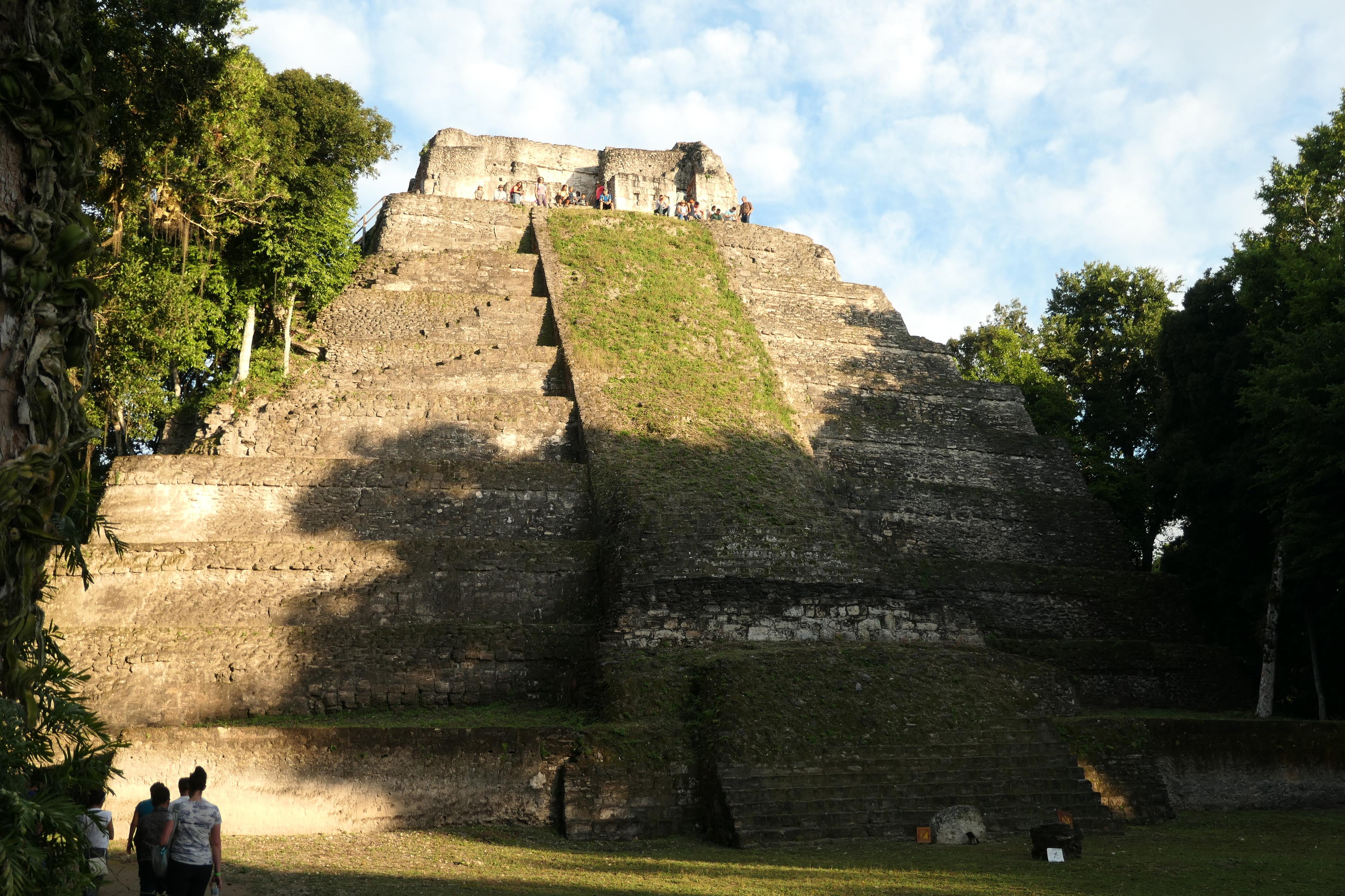 Las Manos Rojas, Yaxha, Guatemala